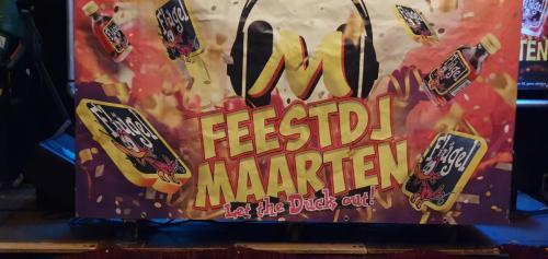 5 Times 11 Party!  met Feest DJ Maarten